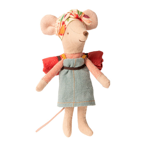 Hiker mouse Big Sister Maileg Mouse imaginative play