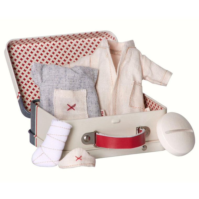 Maileg Micro, Nurse and Doctor Suitcase, incl 2 set clothes