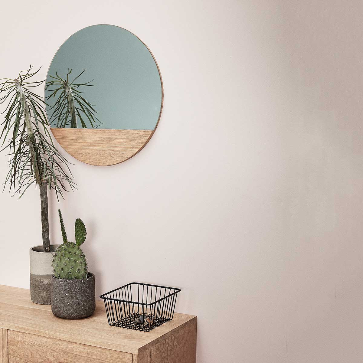 Large Floating Oak Round Mirror with wood Hübsch
