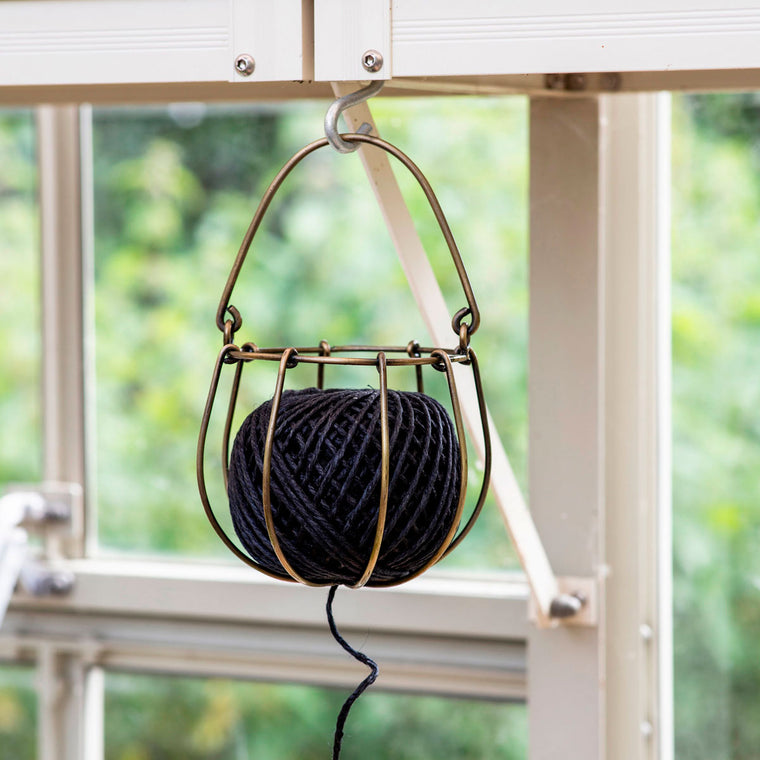 Holder and String metal garden trading