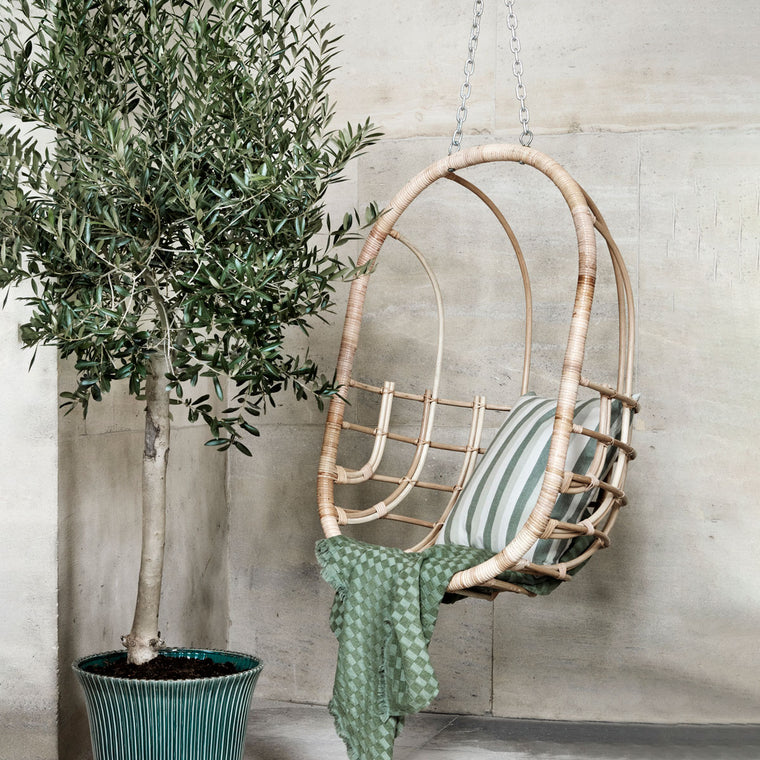 Hanging Chair Egg Rattan - last one