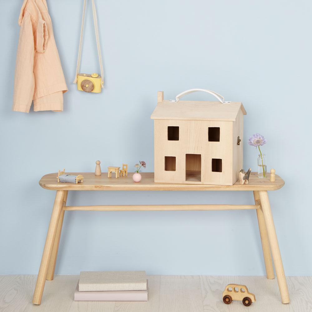 olli ella dolls house on bench