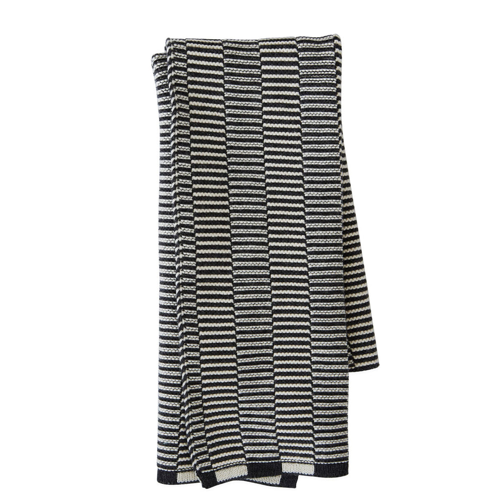 Stringa Mini Towel Off white Anthracite knitted OYOY living design