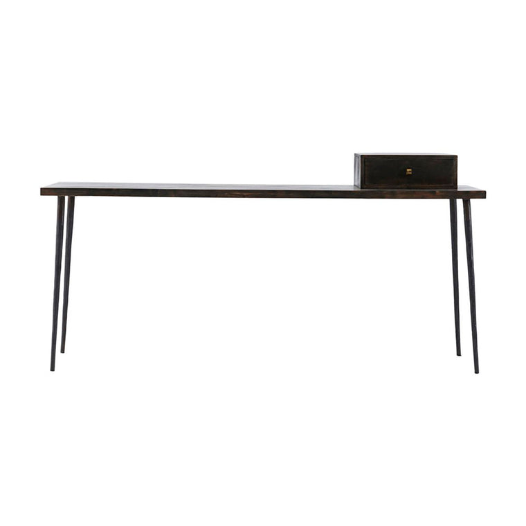 Console Club, Black stain