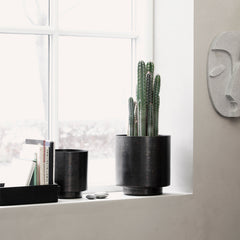 Planter, Como, Matte iron/Black Plant Pot