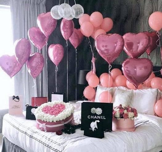 How to decorate a Bedroom with Balloons for the Ultimate Surprise!