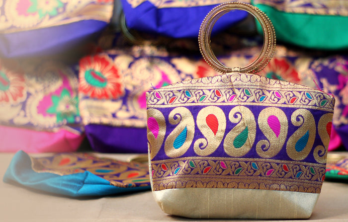 25 Bangle Type Hand Bags For Mehendi