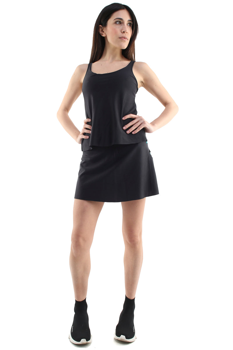 Canotta paddle in lycra nero con stella applicata turchese e top sportivo turchese