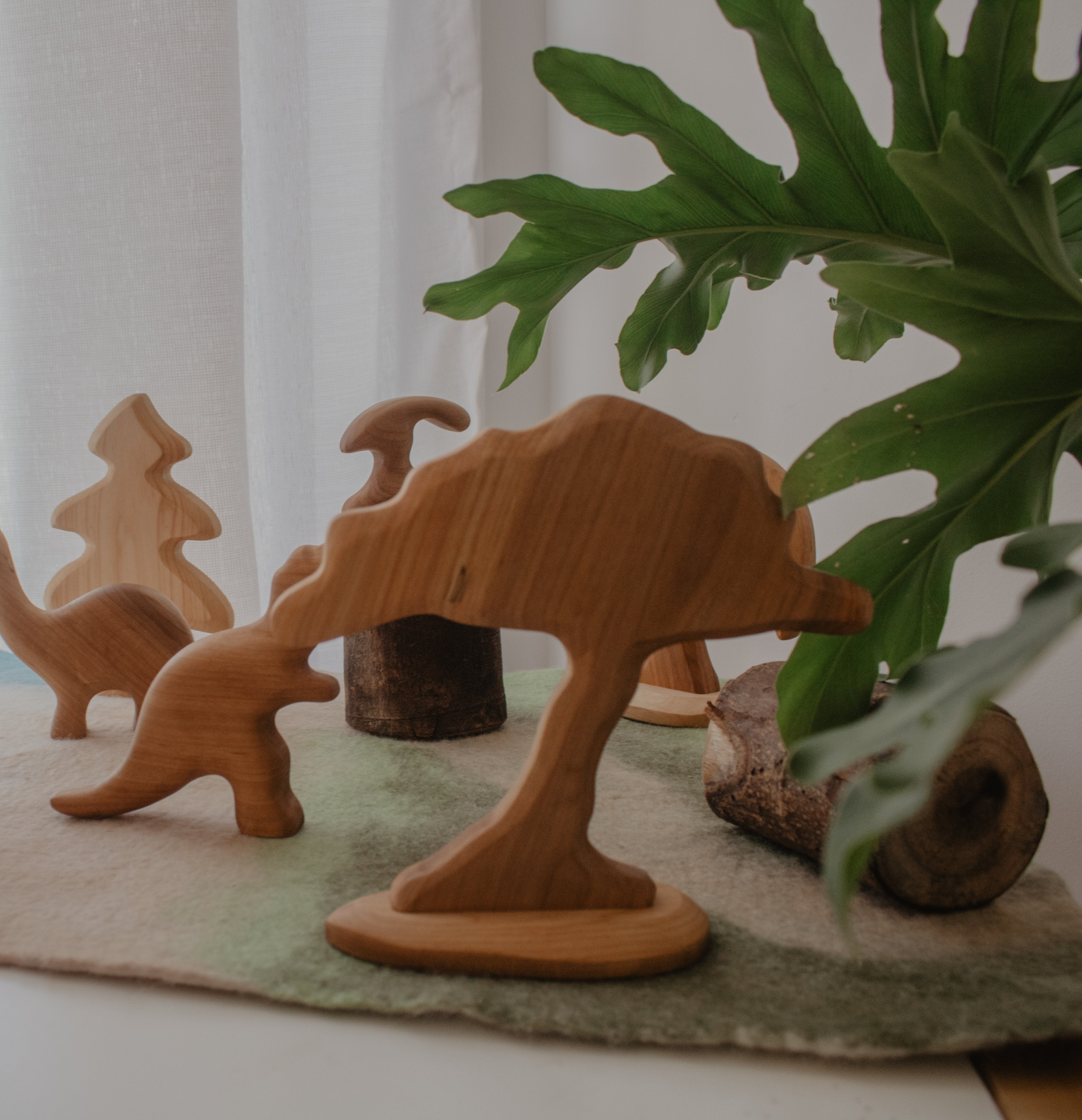 Wooden Tree's // Set of 3