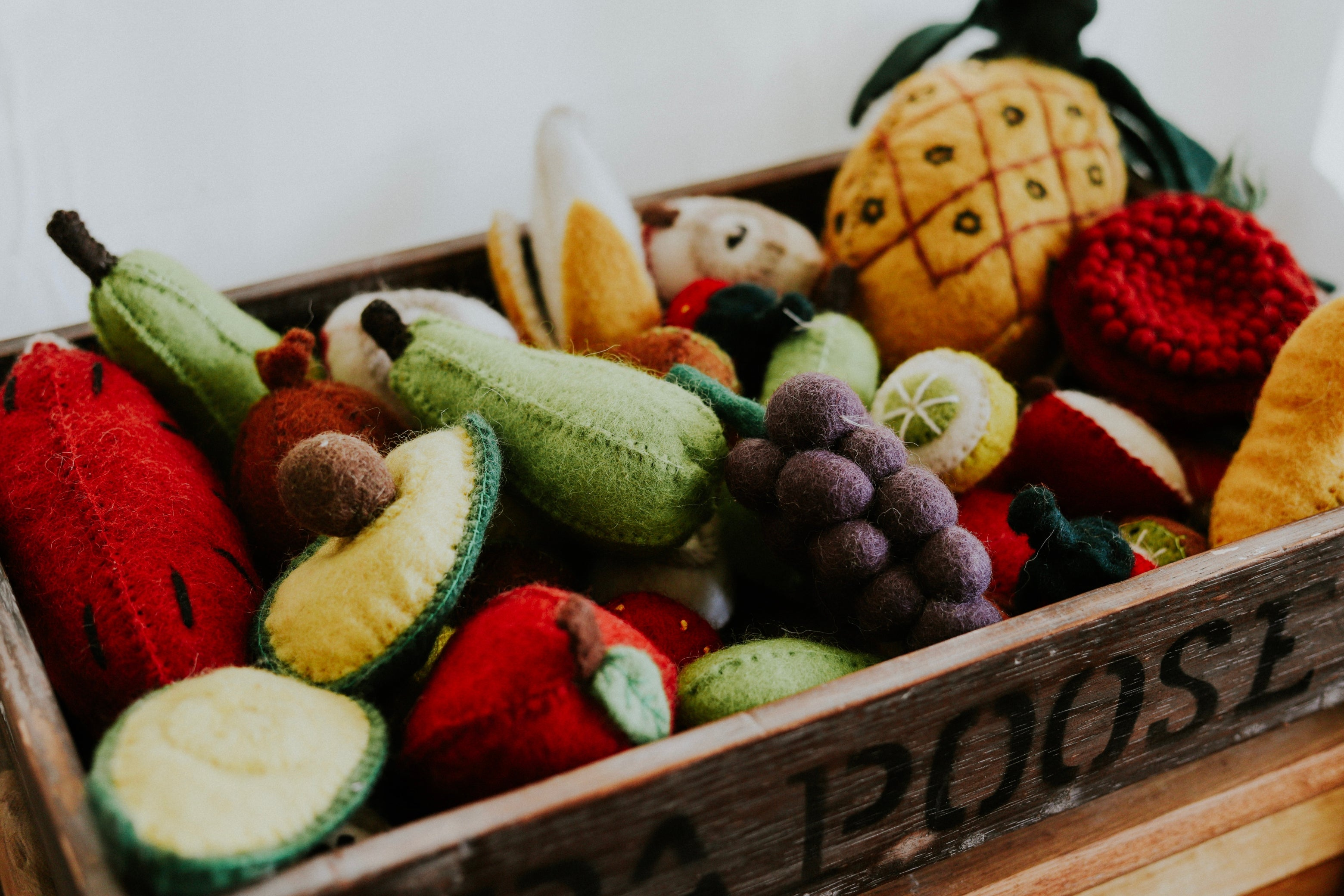 Crated Fruit Set