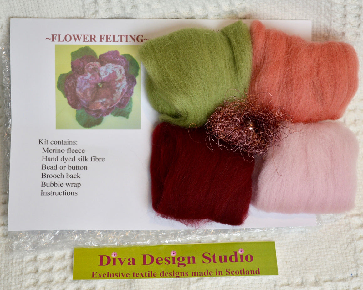 Flower felting kit by Diva Design. Pinks. 1 kg (39FV)