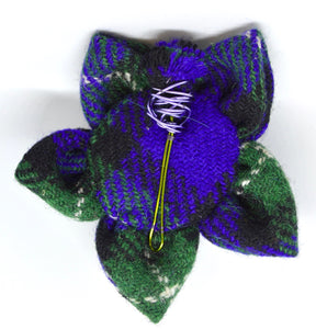 "Brooch by The Beez Neez. ""Harris Tweed with wire thistle"".  (4B284)"
