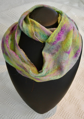 Scarf. Hand made felted infinity  scarf by Diva design. Green purple. (sm39I1)