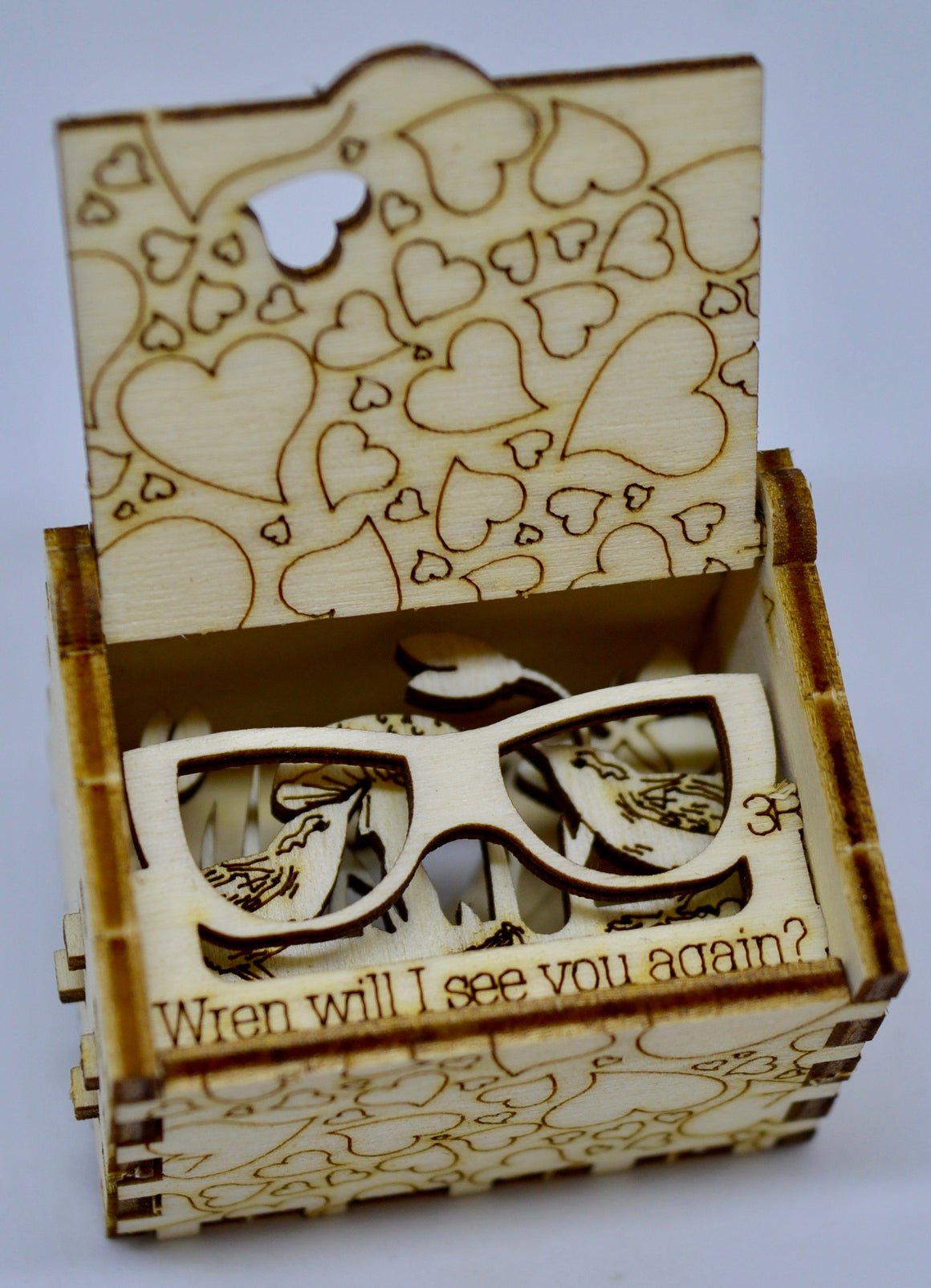 Pop Up Wooden 3D Card. Box silhouette.Wren will I see you again. Box.20