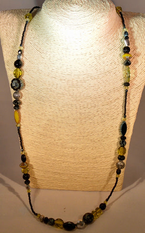 Necklace. Bead necklace by Bowerbird Jewels. (11NECK9)