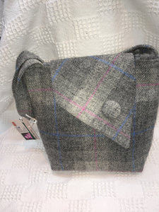 Harris tweed asymmetrical tote bag  71TBB0037