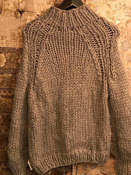Italian Knitwear - Chunky hand knitted jumper - Dove grey