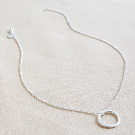 Lisa Angel - Organic Style Hoop Necklace in Silver