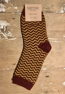 Zigzag Burgundy Socks by Sixton