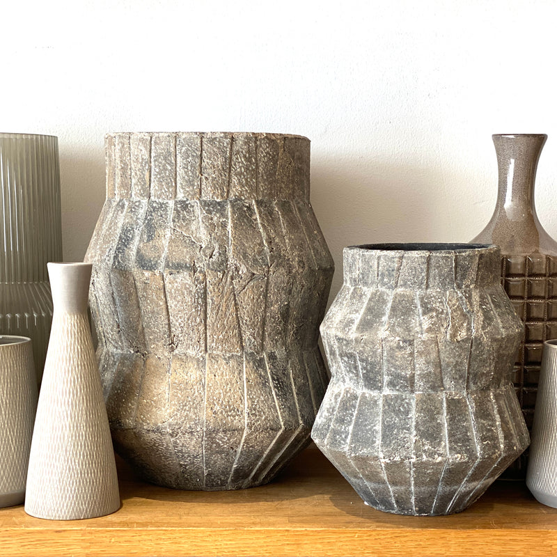 Large Textured Cement Pot - Bagel&Griff