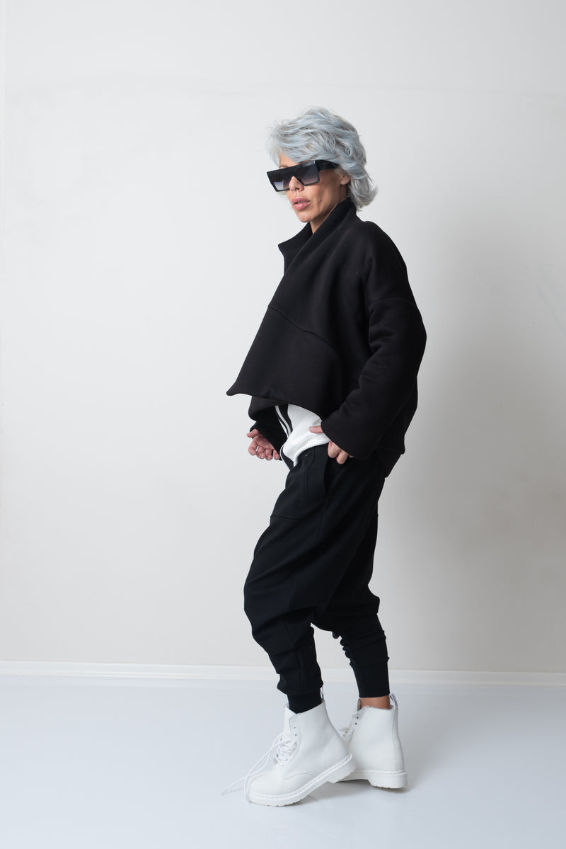 Black Oversized Quilted Winter Short Jacket with a zipper pocket - Clothes By Locker Room