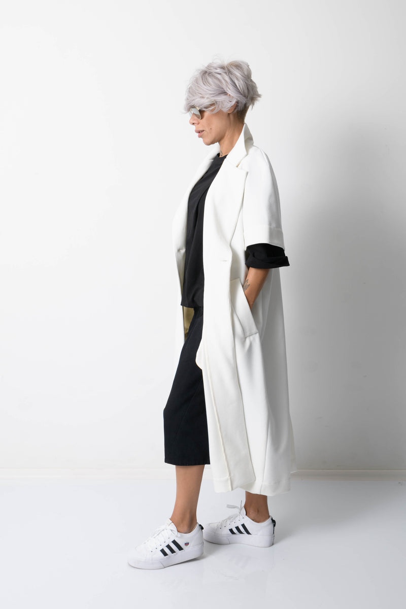 White Cardigan with Lapel Collar and Side Pockets