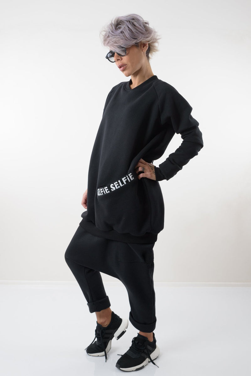 Black Oversize Sweatshirt with Front Pocket - Clothes By Locker Room
