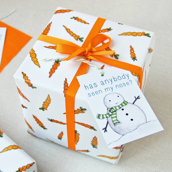 WP-FL-04 / Christmas Carrot Wrapping Paper