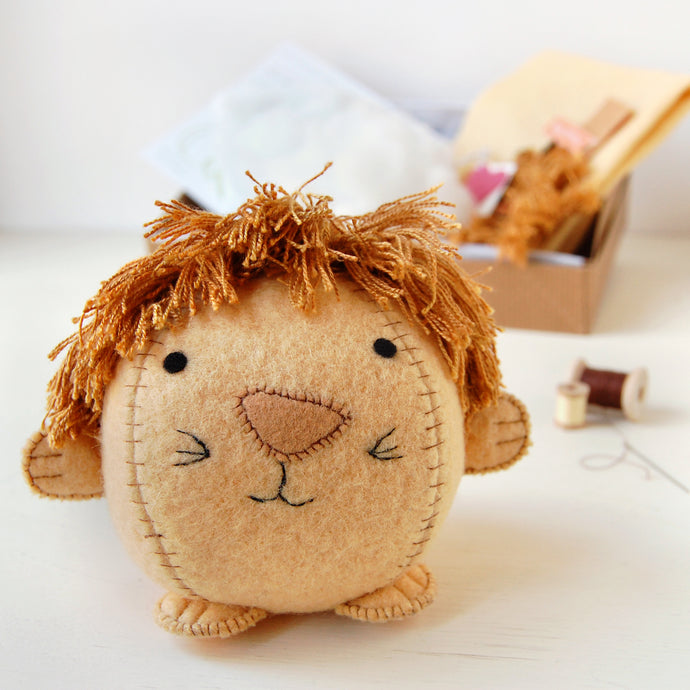 CK-A-05 / Make Your Own Lion Craft Kit
