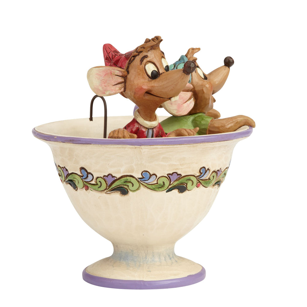 Jaq and Gus in Tea Cup