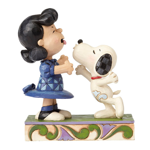 Snoopy Kissing Lucy