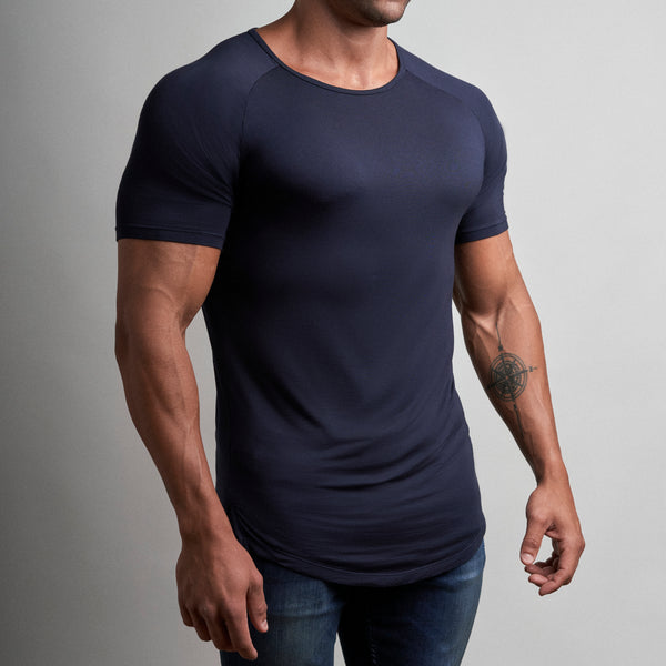 Ideal T-Shirt in Navy Blue