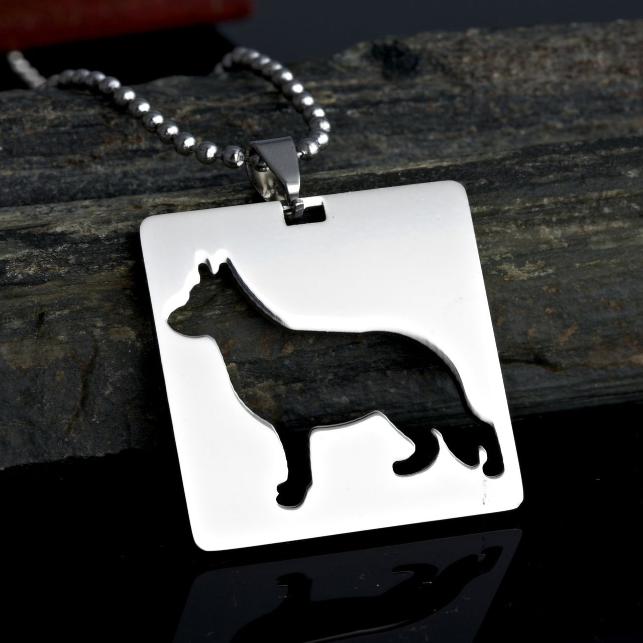 2x Stainless Steel Round Shaped German Shepherd GSD Dog Silhouette Pet Dog Tag Breed Collar Charm Pendant Necklace
