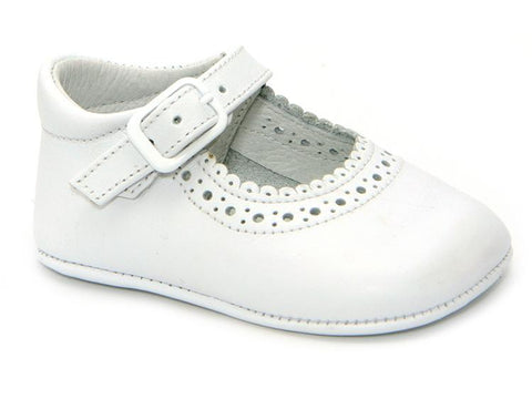 BABY GIRLS SOFT SHOES HOLE CUT OUT DETAILS IN WHITE