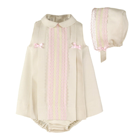 Baby girls sleeveless and lace datail dress  witn bloomer and bonnet