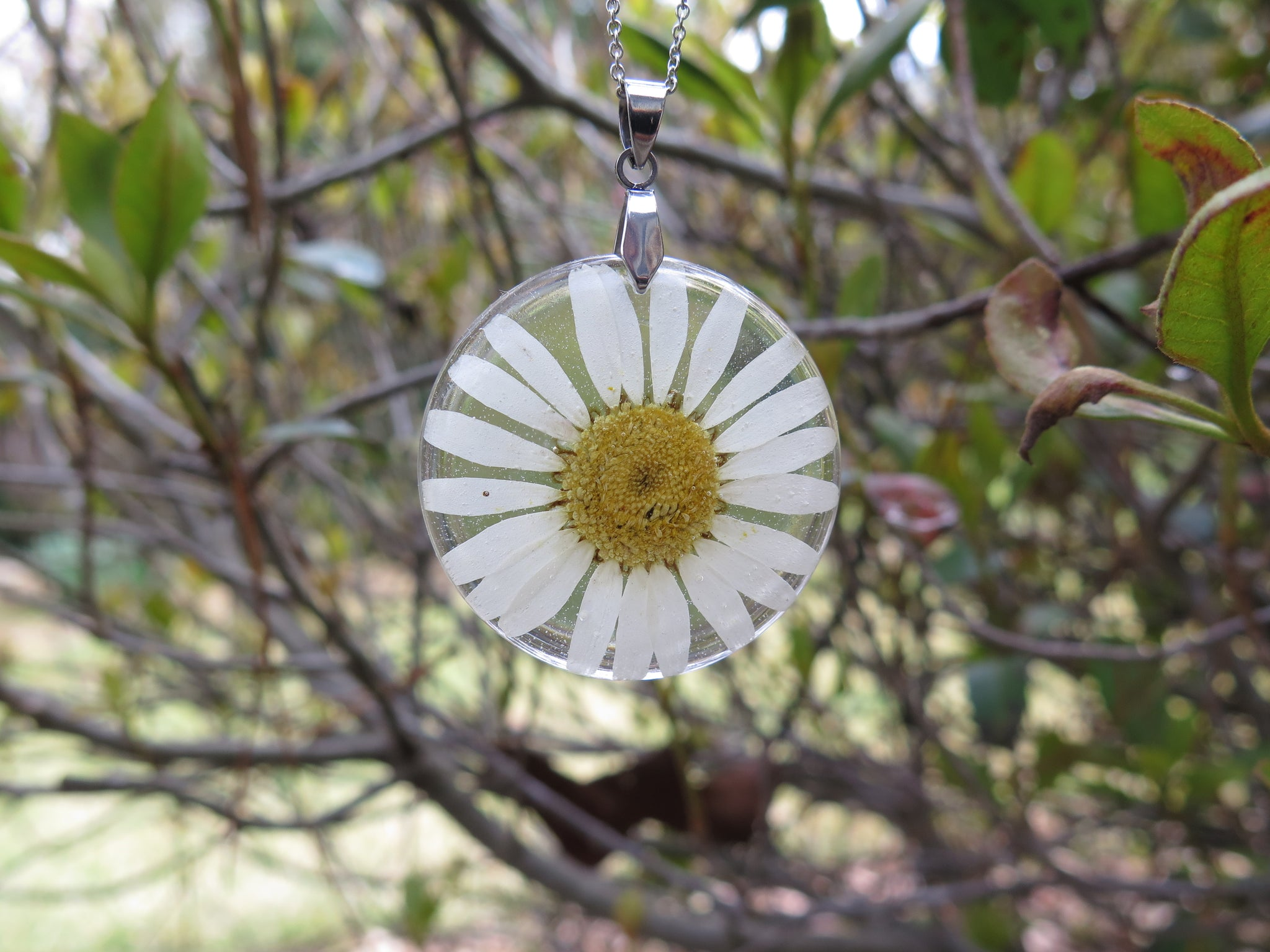 april birth flower necklace