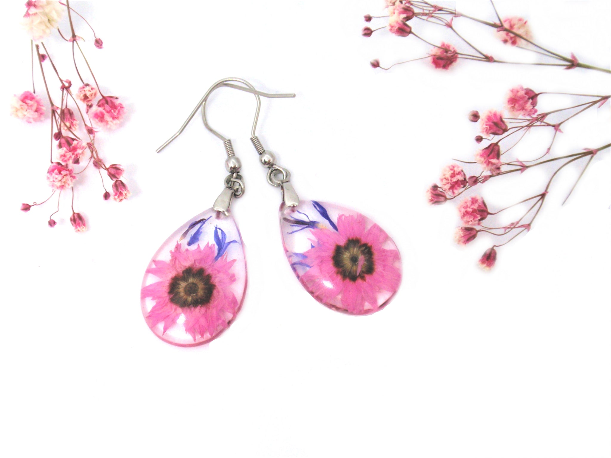 Handmade earrings with real flowers