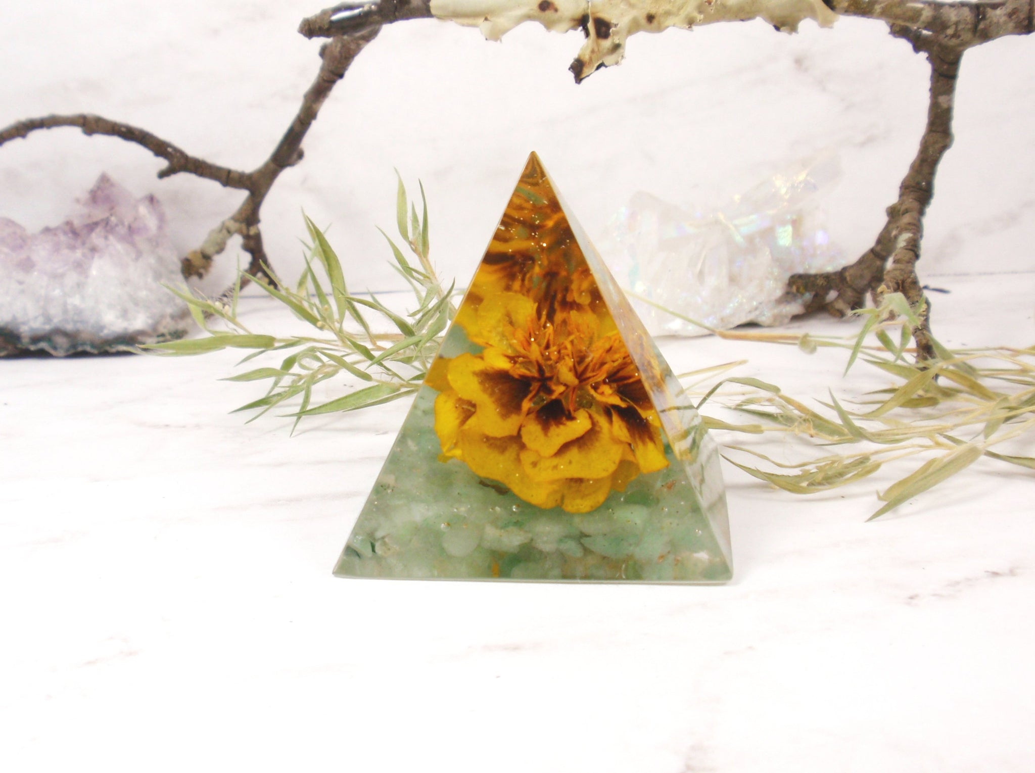 Resin pyramid real flowers Green aventurine house decor, spiritual gift, Paperweight