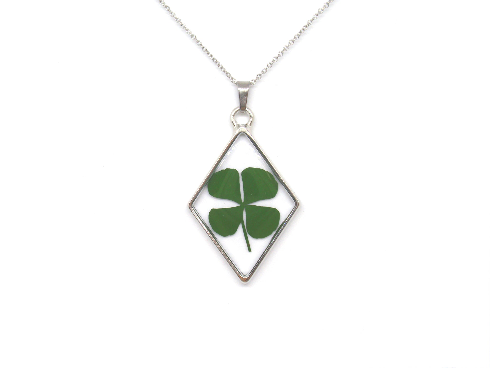Four leaf clover resin necklace