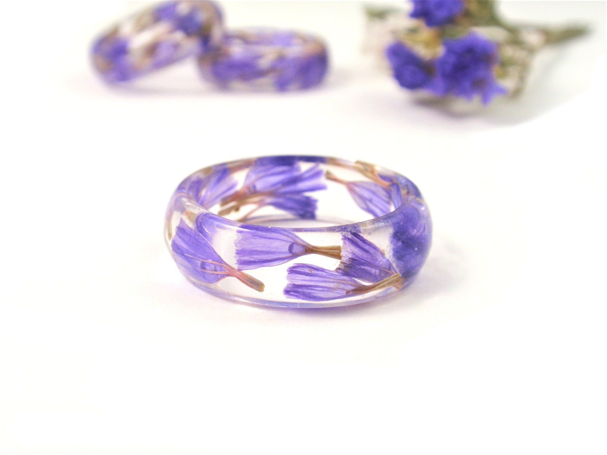 Nature ring with Real flowers, Resin ring jewelry, Purple ring