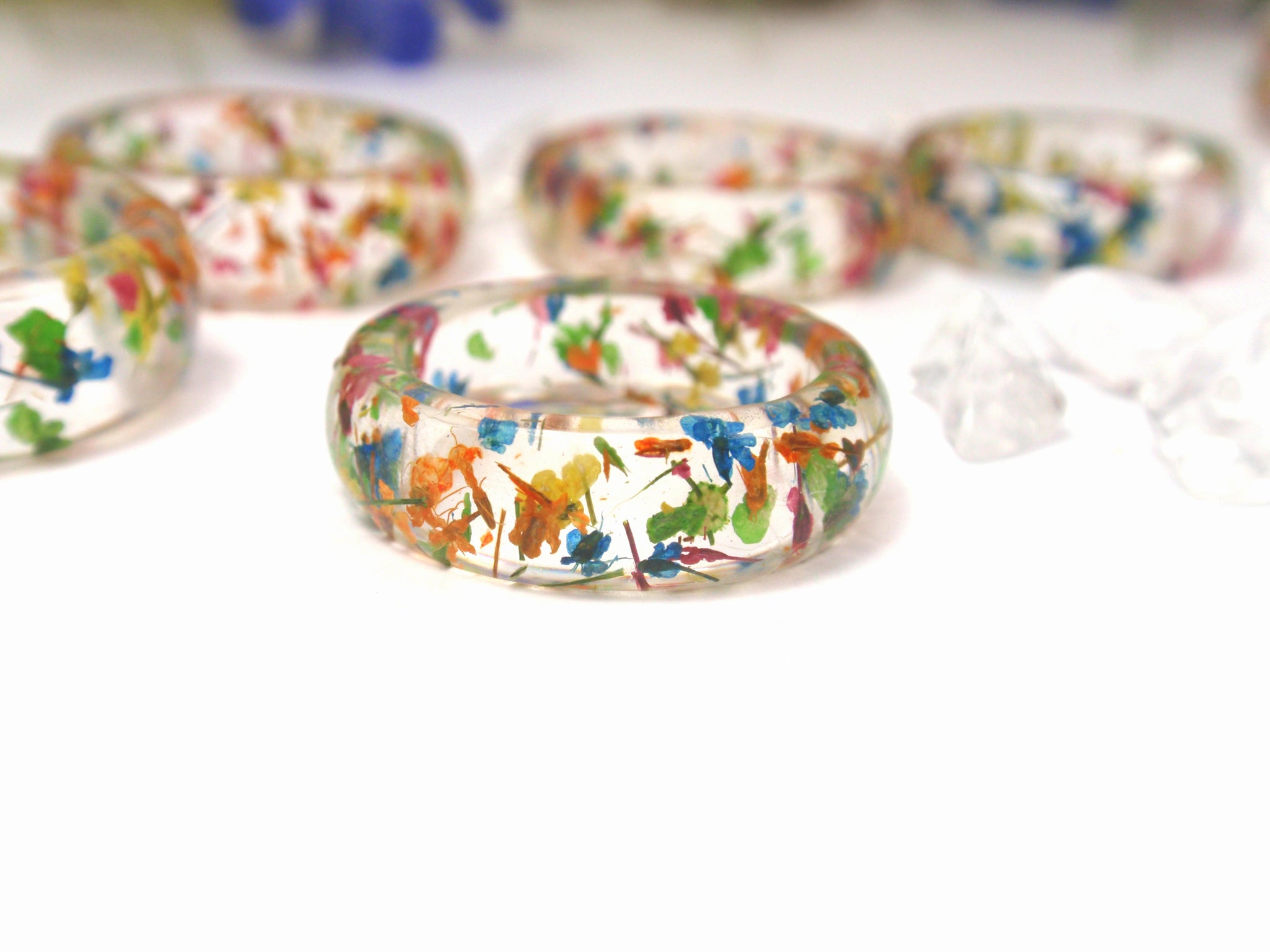 handmade nature jewelry with real flowers by smile with flower