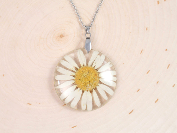 Real Daisy Necklace, Birth Month flower April