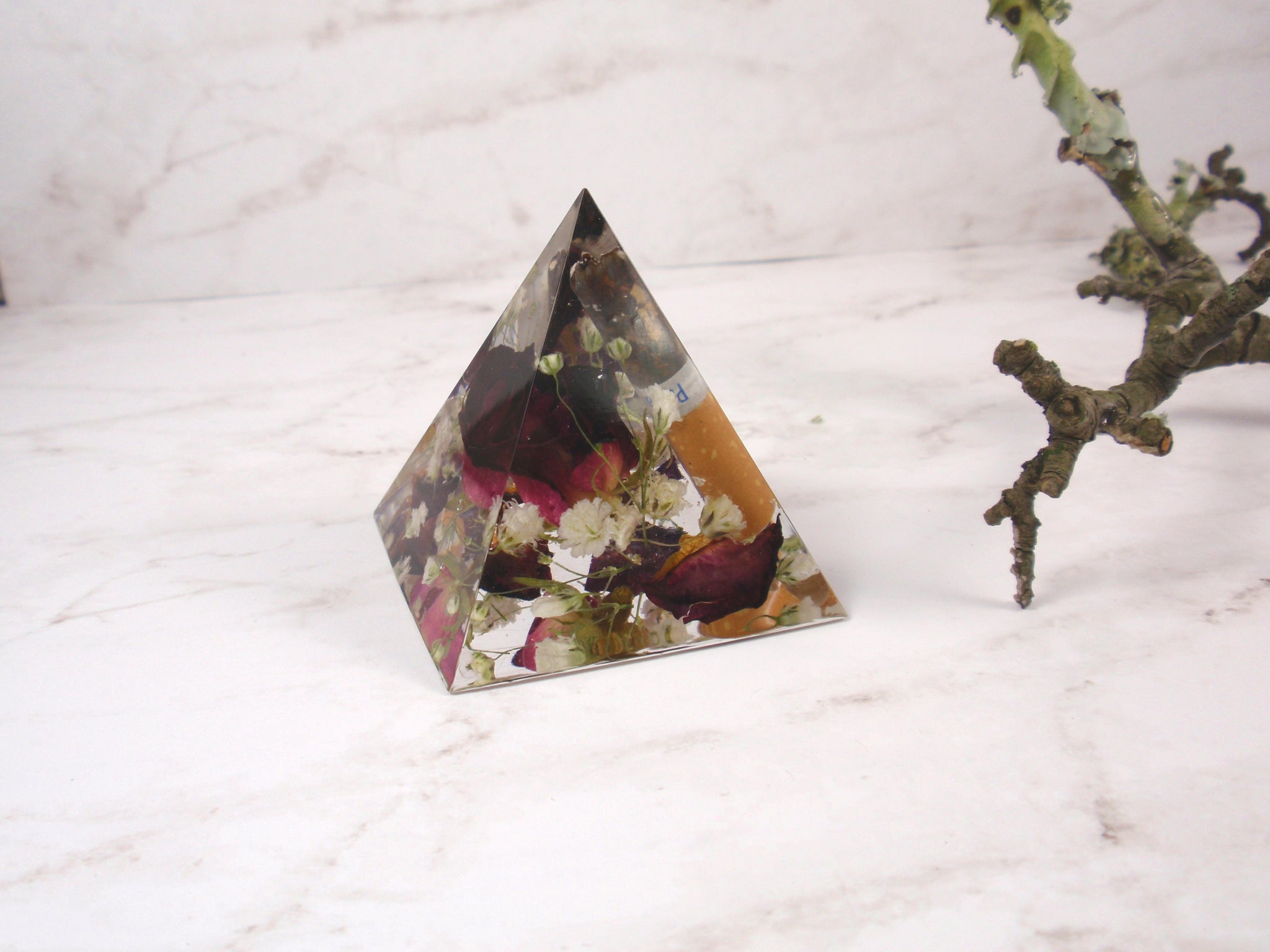 Custom Keepsakes Pyramid with your flowers