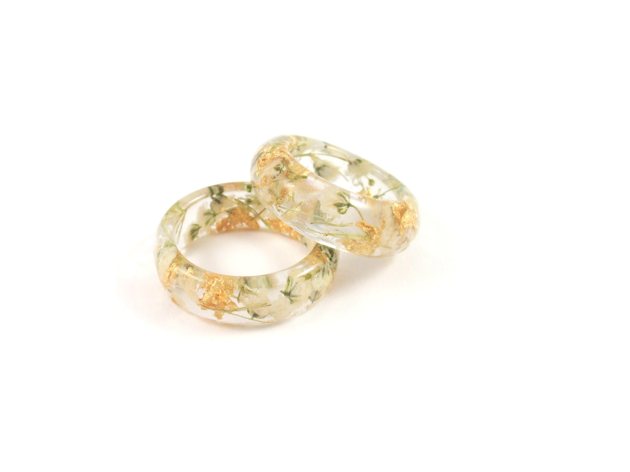 Nature ring Gold flakes and white flowers, Real Flower resin ring