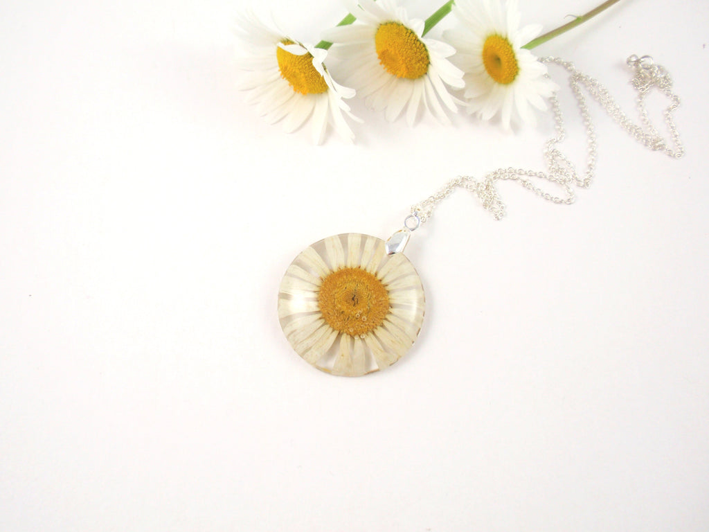 Real daisy necklace birth month flower april smile with flower real daisy necklace birth month flower april izmirmasajfo