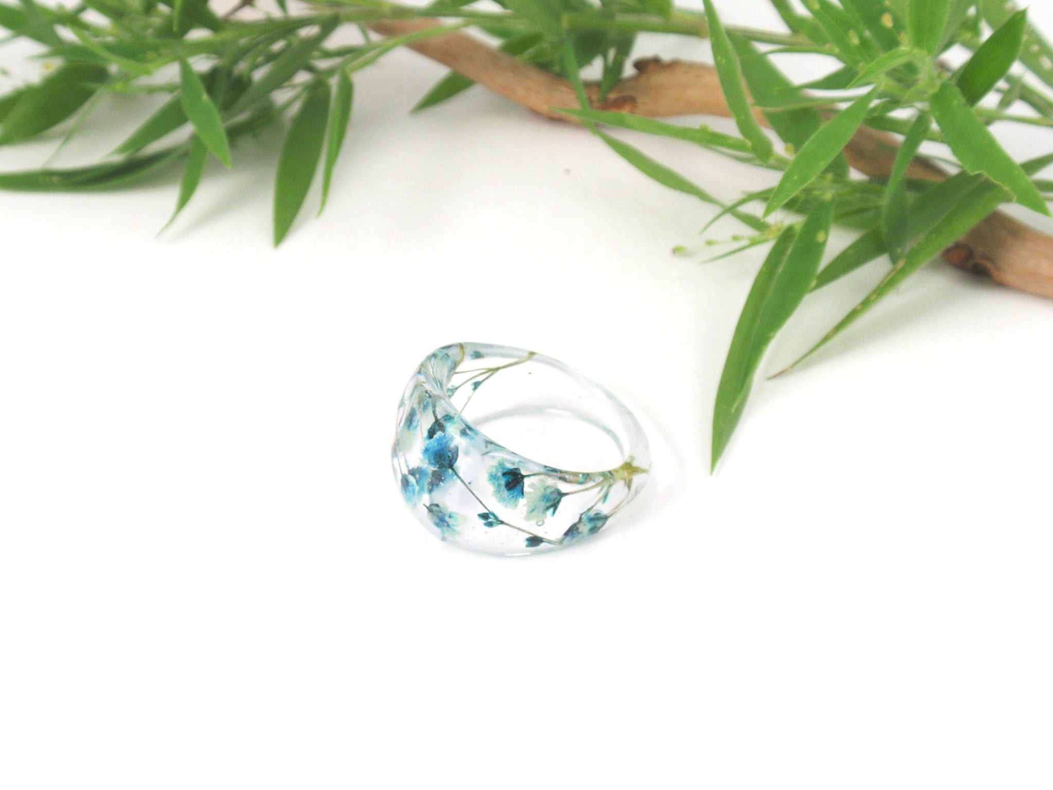 Blue flower resin ring