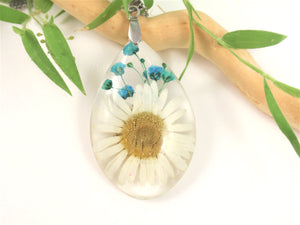 Daisy flower Resin Pendant, Pressed Flowers Jewelry, Real flower Necklace