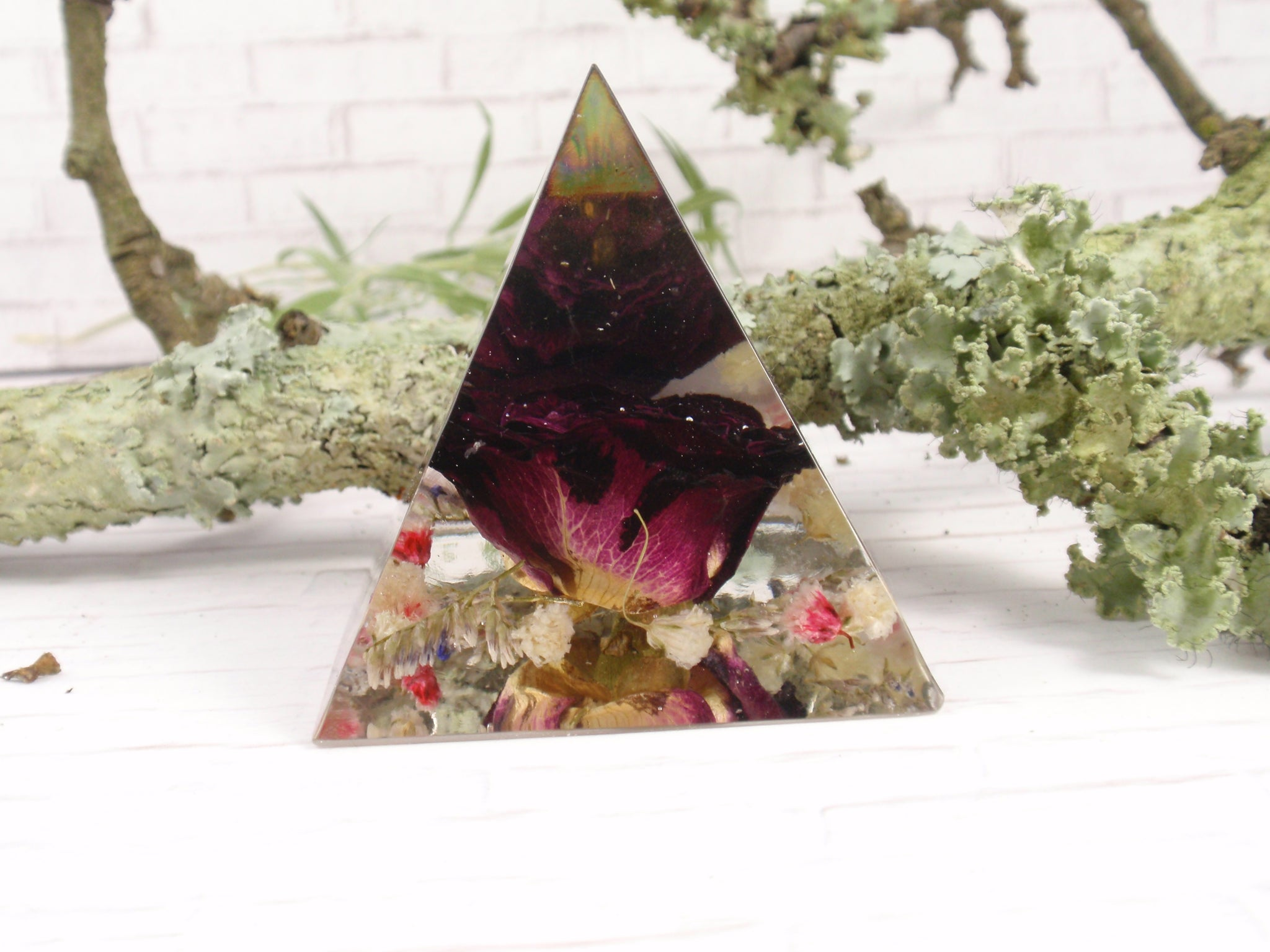 Red Rose paperweinght, real flower home decor pyramid