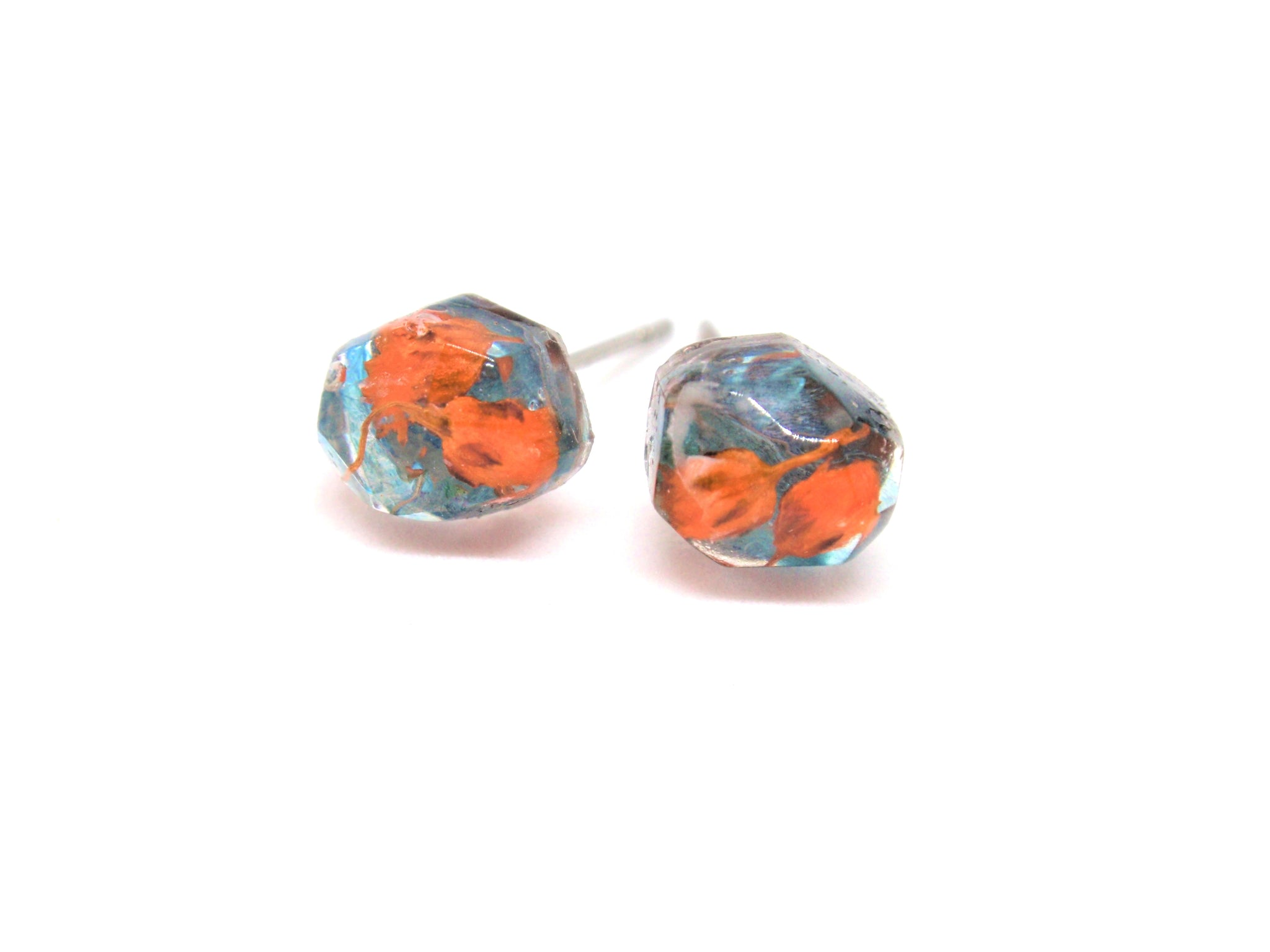 Handmade flower stud earrings, Post resin earring