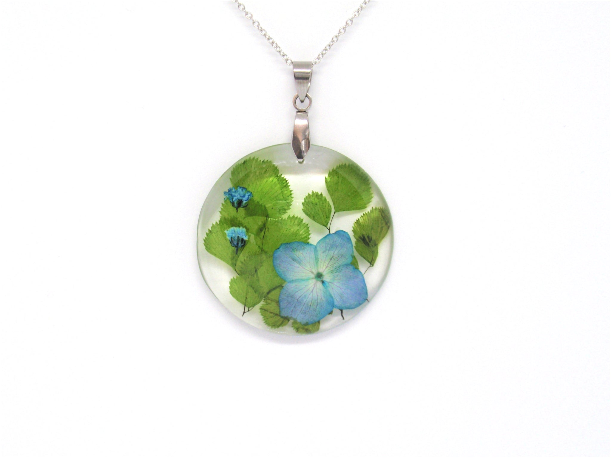 Hydrangea flower necklace